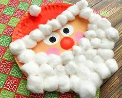 用棉花球和蛋糕纸盘制作圣诞老人图片教程