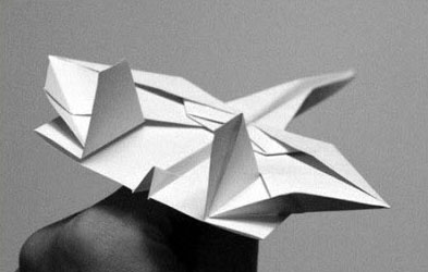 战斗纸飞机折法视频_纸飞机的折法 一款复杂的仿真战斗机折纸DIY图解╭★肉丁网