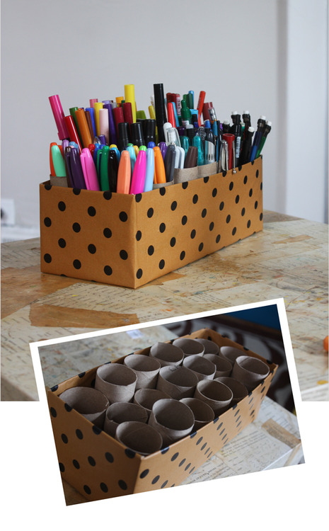 DIY Marker Caddy(via Aunt Peaches)