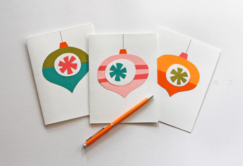 If you haven't sent your holiday cards yet, try making these!(via Inside Source)