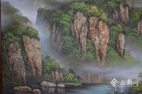 用石头来作画 展现秀美山川