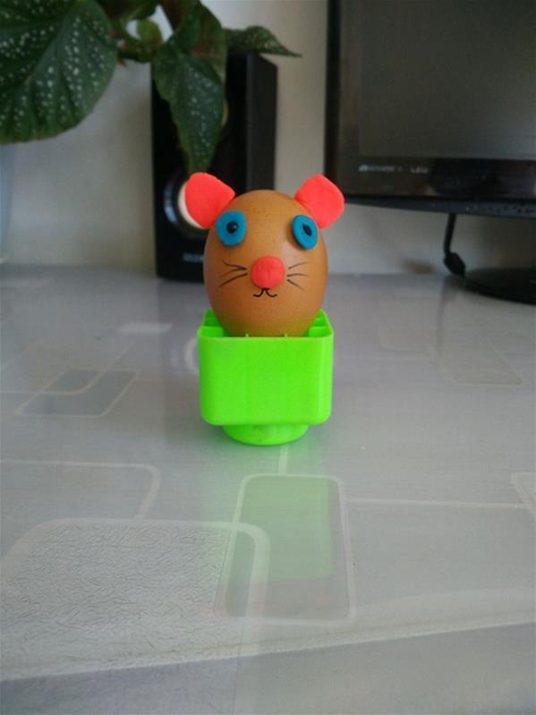 儿童立体手工牙纤制作_教你用鸡蛋制作儿童创意小手工小老鼠玩具的详细步骤图解 肉丁 ...