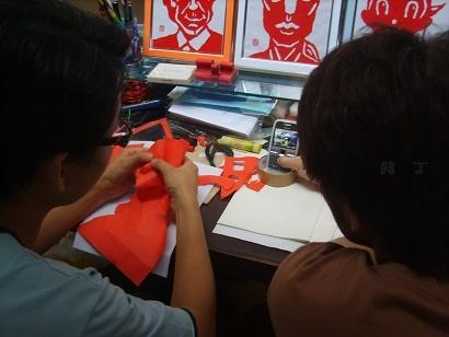 有创意的撕纸画_有趣的手撕画教程1—美女肖像画的制作步骤图╭★肉丁网