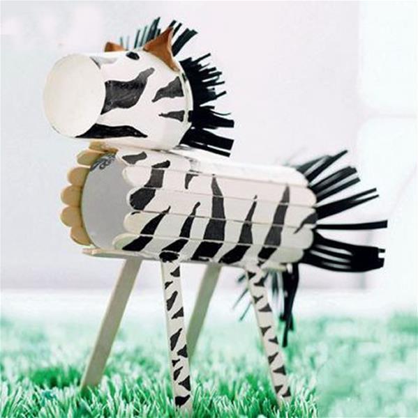 儿童简单有趣的DIY手工可爱的纸杯斑马制作步骤 肉丁儿童网