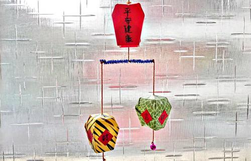 节日灯笼折纸教程 做一个天灯来祈福