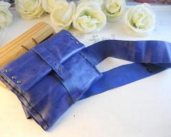 藍色時髦皮革小腰包的做法圖解教程